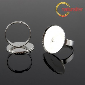 Základ na prsten s lůžkem 20mm stříbrná barva