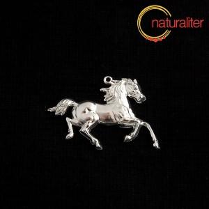 Kůň - přívěsek postříbřený 32x25mm