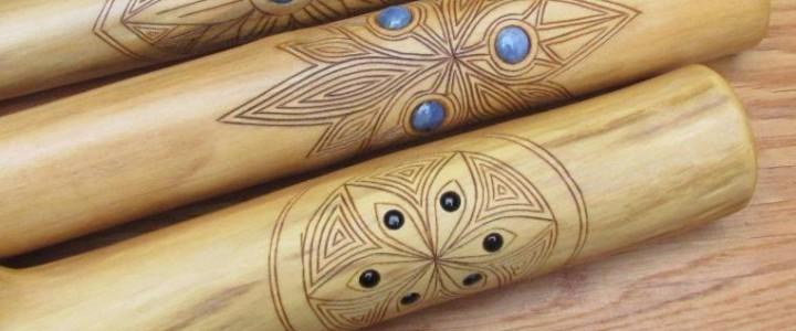 Koncovky od Marka Gondy – unikátní kombinace dřeva a kamene